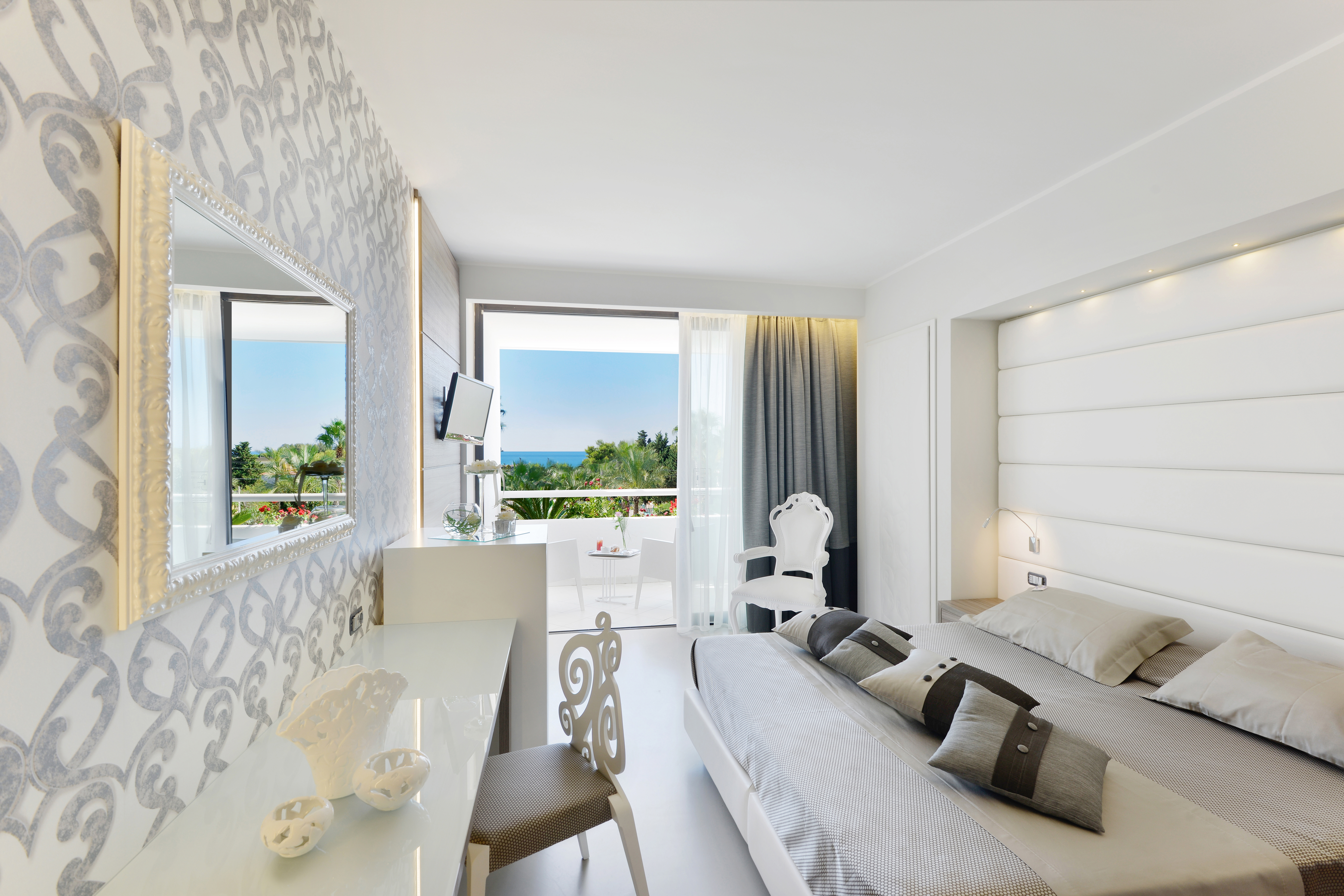 Smart Hotel by VDA Group