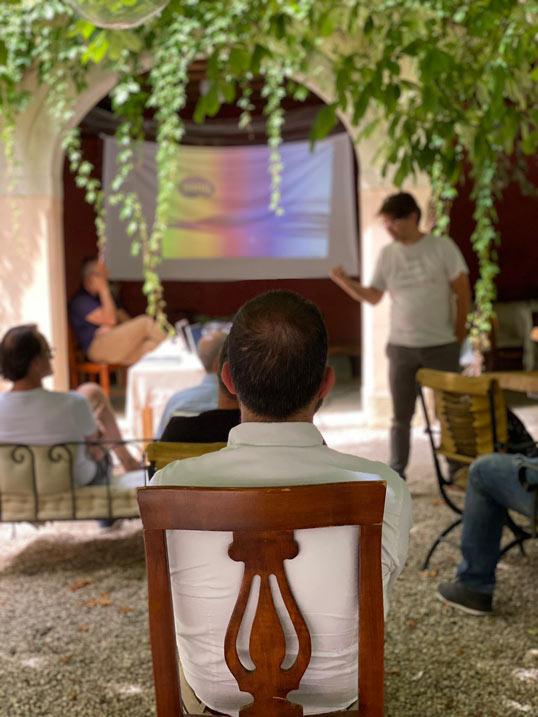 vda-next-team-building-room-management-sales-italia
